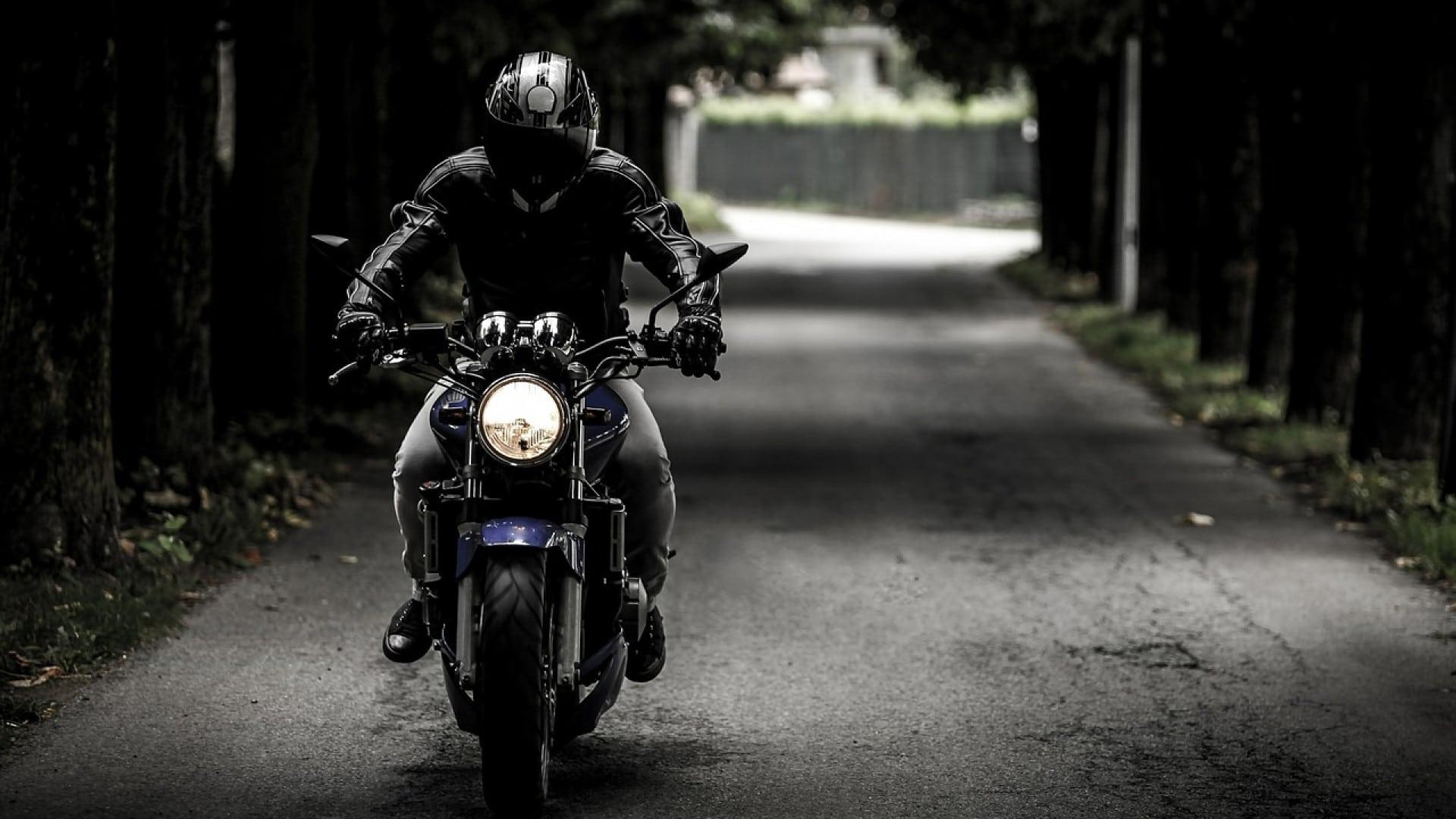 Installez des valises sur votre moto