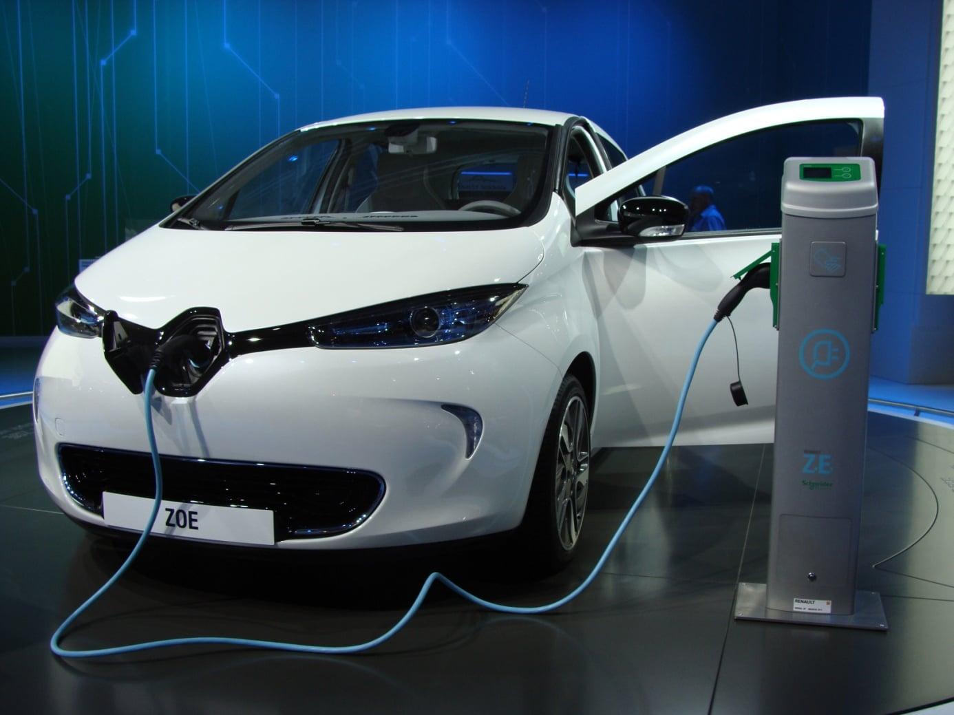 Zoom sur les avantages d'une borne de recharge pour voitures électriques en copropriété
