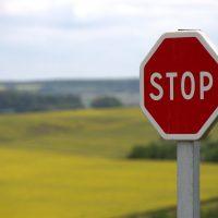Quels sont les différents panneaux de signalisation et comment les comprendre ?